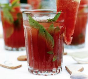 Мятно-арбузный коктейль